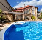 Отдых с бассейном в Черноморском